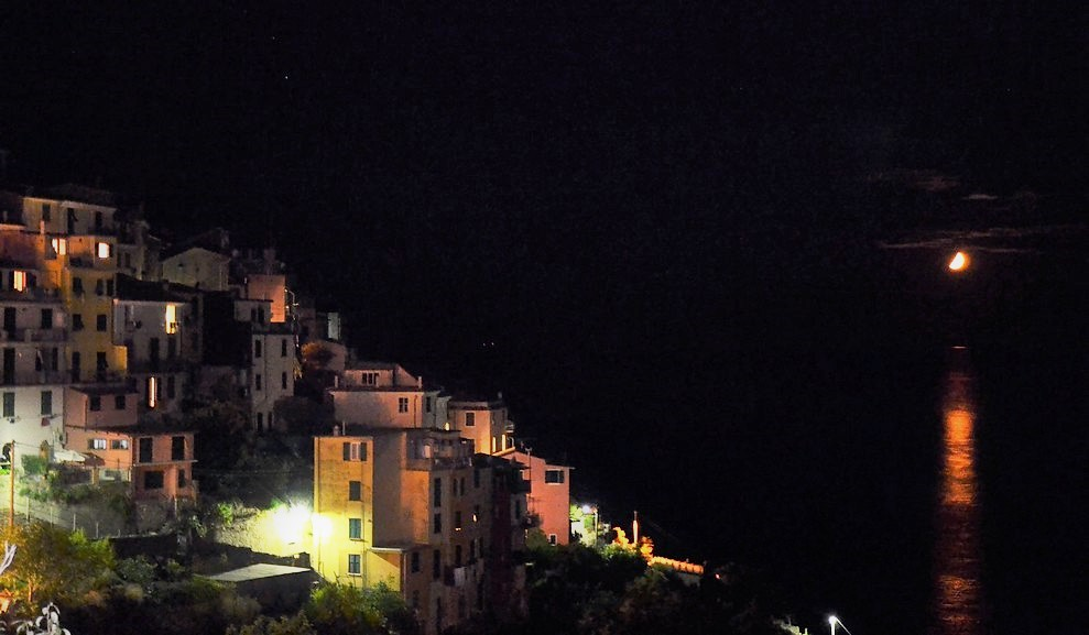 corniglia_night